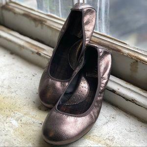 BORN Tami Metallic Ballerina Flat - Z11